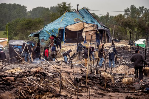 Photo : Apres-incendie-dans-Jungle-Calais.jpg