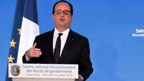 François Hollande s'adressant aux forces de gendarmerie le 20 juillet 2016