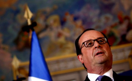 Hollande_garde_nationale.jpg