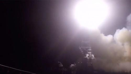 Tir_de_missiles_US_en_Syrie.jpg