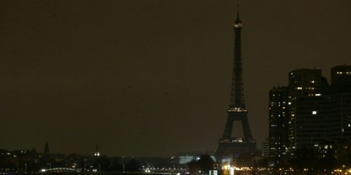 COMBO-FRANCE-ENVIRONMENT-CLIMATE-WARMING-ENERGY-EARTHHOUR
