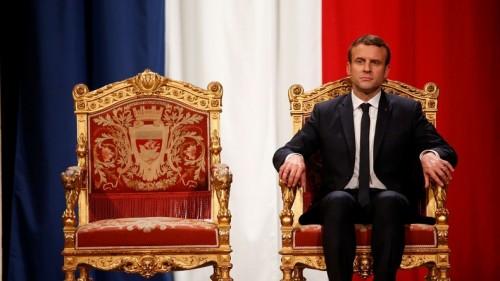 Qui est Emmanuel Macron ? .le_roi_Macron_m