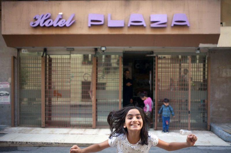 Athènes : militants et réfugiés inventent de nouvelles formes d'accueil