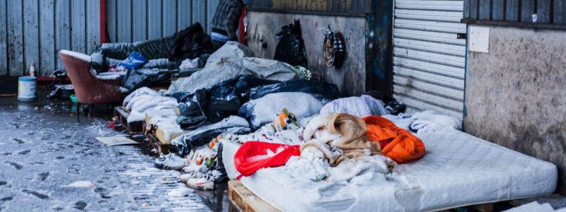 La vie de merde des réfugiés à Calais selon Human Rights Watch