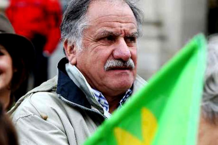 Gérard Miller : le gouvernement doit accorder l'asile politique à Noël Mamère