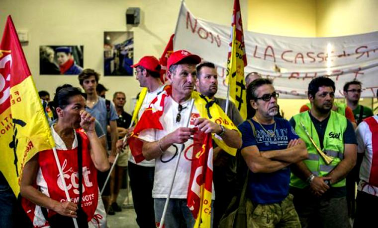 Les luttes sociales ne se gagnent qu'en débordant les centrales syndicales