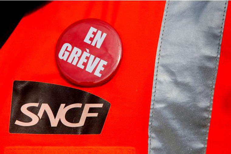 Lundi 14 mai : accélération de la grève des cheminots, aidons-les !