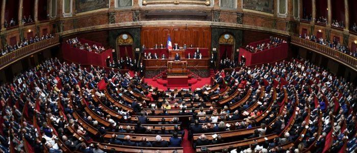 Macron ne peut plus être sauvé que par des institutions politiques dévoyées