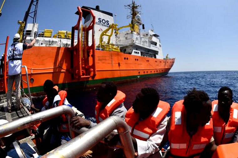 Accueil des migrants : une déplaisante guerre intestine à gauche