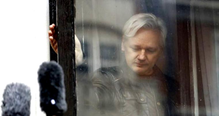 Pour Julian Assange, par Serge Halimi