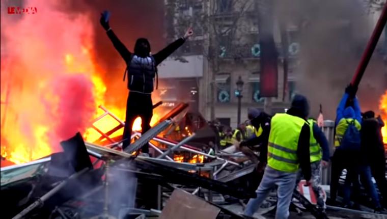 Le Média spéciale Gilets jaunes: «Si on lâche on est mort! C'est pas une manifestation, c'est un soulèvement!»
