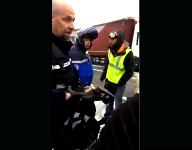 Gilets jaunes : Béziers péage est (vidéo Hakim Andco)