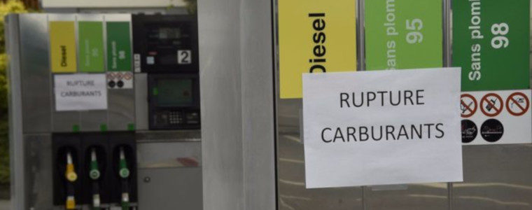 Gilets jaunes : plus redoutable que la grève générale, le blocage des flux de marchandises