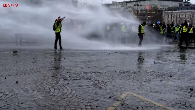 Gilets jaunes acte 9 : plus forts que la répression policière, par Serge Faubert (Le Média)