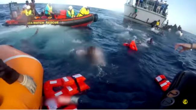 Vidéo choc : voici comment l'Europe et la Libye laissent mourir les migrants en mer