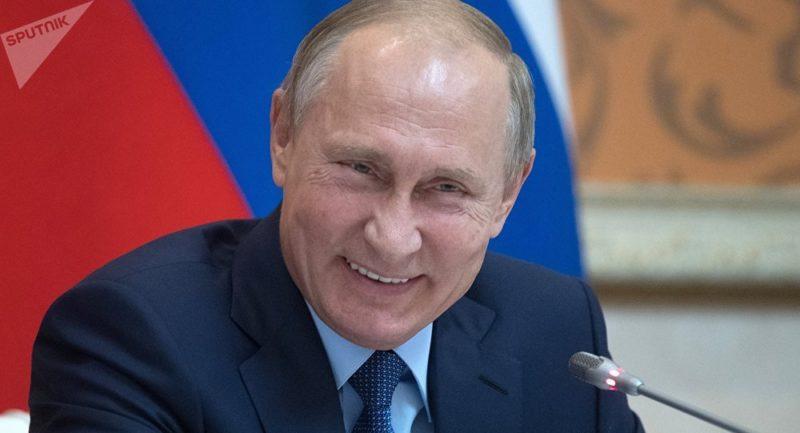 Benalla et les «oligarques russes proches de Poutine» : le pavé dans la mare d'un correspondant de l'AFP