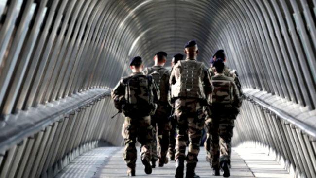 Révolution Gilets jaunes : faut-il craindre une intervention de l'armée ?