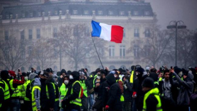 «Un chiffre absolument spectaculaire» : 39% des Français favorables à une nouvelle révolution