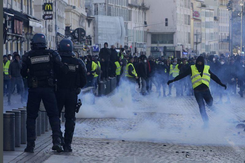Le processus révolutionnaire lancé par les Gilets jaunes ne se résoudra pas par une élection