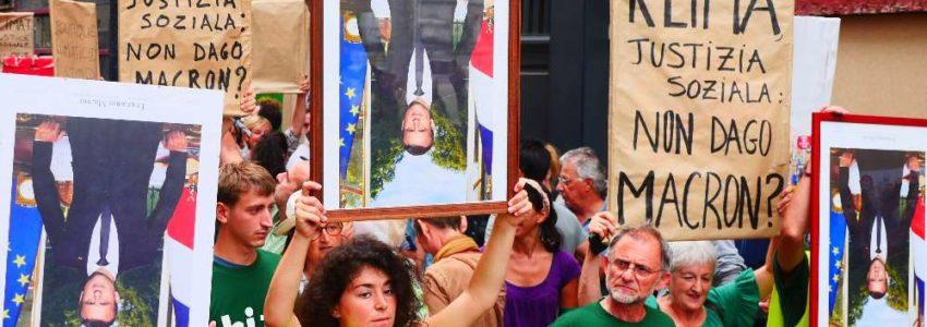 2. G7 Biarritz côté barbares : les Gilets jaunes renversent Macron