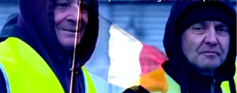 Pour remettre les pendules à l'heure jaune et le drapeau au tricolore