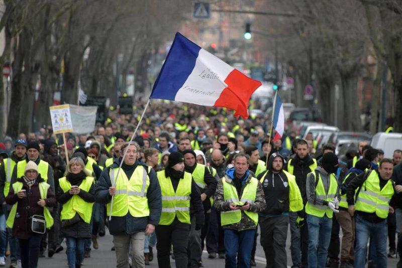 Cadeau anniversaire : 69% des Français «justifient» les Gilets jaunes