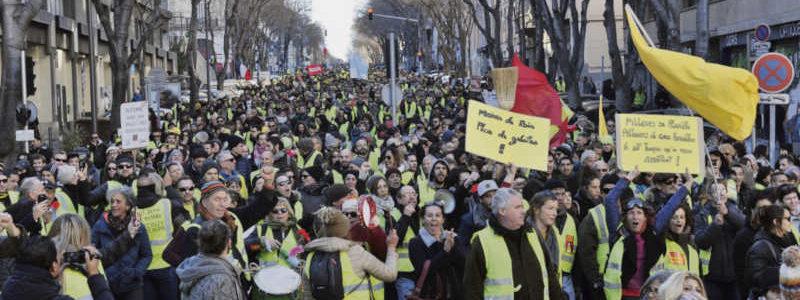 Municipales et présidentielles : trois stratégies, un seul lieu d'action (la rue)