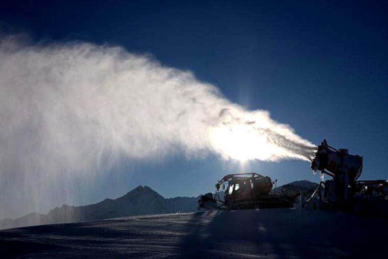 C. Morel-Darleux : les canons à neige de la région Auvergne-Rhône-Alpes
