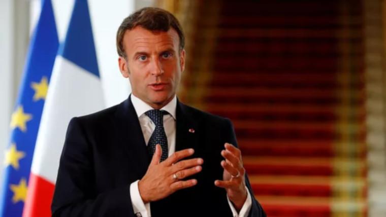 Convoqué par le «premier cercle des donateurs», Macron est sur la sellette