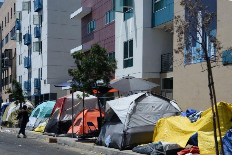 Effondrement : les migrants blancs de Los Angeles