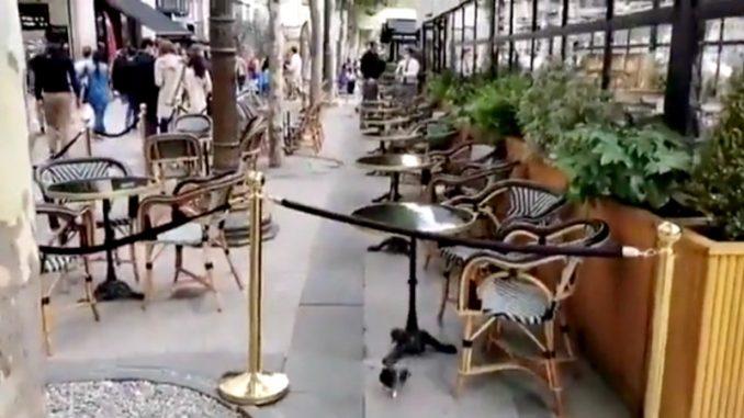 Exil sur les terrasses de café